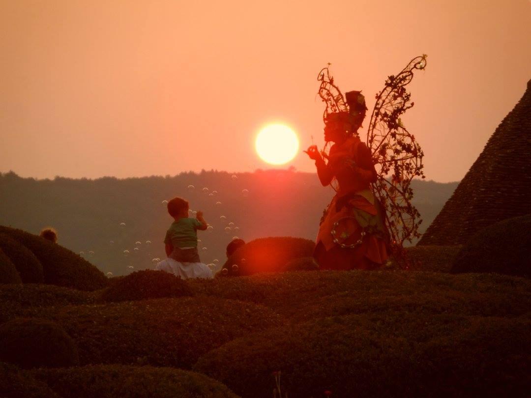Les Marraines Fées- Spectacle lumineux féerique sur échasses